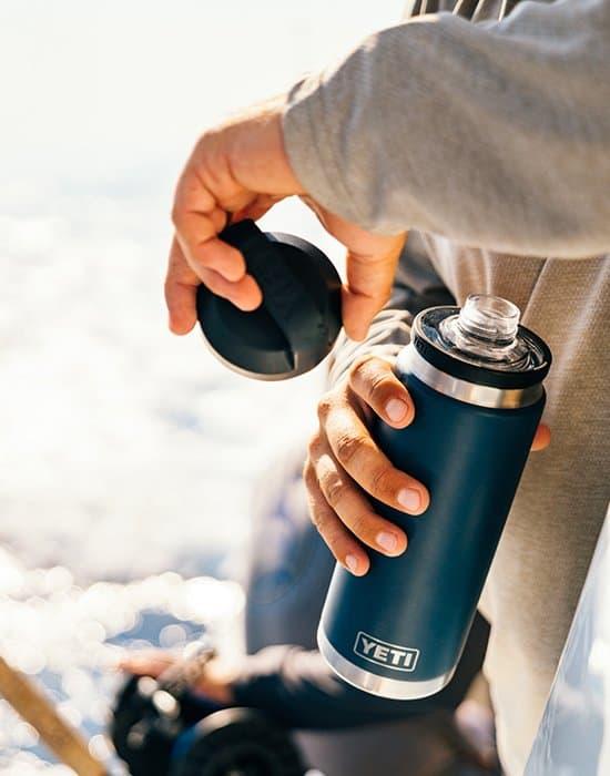 Yeti Rambler Drink Bottle - Navy